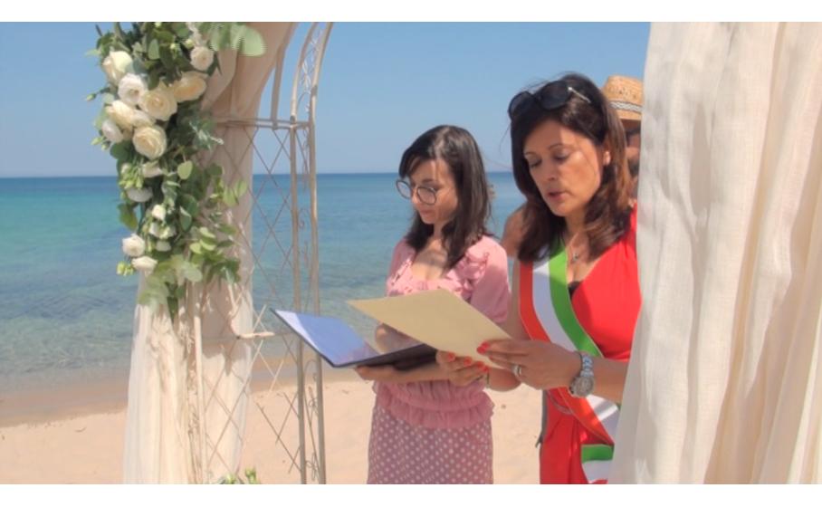 Matrimonio Spiaggia Alghero : Pula regina dei matrimoni in spiaggia da tutto il mondo per il