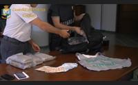 cagliari 12 chili di cocaina nello zaino tre arresti della guardia di finanza