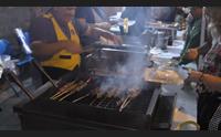 san giovanni suergiu in migliaia per lo street food dello spiedino