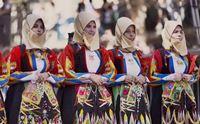 i costumi tradizionali della sardegna protagonisti della sfilata