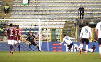 joao pedro segna il gol del provvisorio vantaggio del cagliari sul bologna
