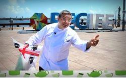 pierpaolo argiolu nella piazza sul mare di recife in brasile
