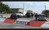 porto torres barricato in casa per 10 ore blitz delle forze dell ordine