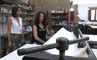 gabriella locci nel suo studio a serdiana