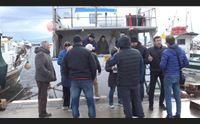 dal governo tagli alle nasse pescatori dell oristanese in rivolta
