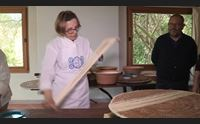 oliena le donne che girano l isola per salvare la cucina tradizionale