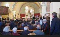 allevatori uccisi in migliaia ai funerali il parroco ruinas non si arrende