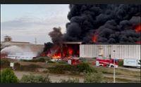 porto torres fuoco nella zona industriale ambiente a rischio