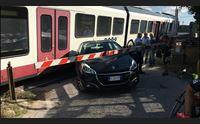 alghero scontro auto treno l arst invita i cittadini alla prudenza