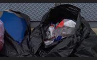 cagliari la guerra dei rifiuti gli onesti contro i miserabili del sacchetto
