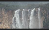 ulassai nella cascata di lequarci arrivano visitatori da tutta l isola