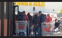 virus nessun assalto ai supermercati approvvigionamento merci regolare