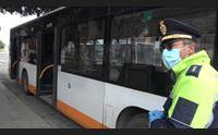 a bordo degli autobus gli autisti rendete le mascherine obbligatorie
