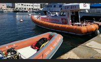 cagliari marittimo caduto nelle acque del porto attesa l autopsia
