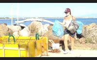 oristano navighiamo in un mare pulito i volontari puliscono le spiagge
