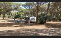 nei campeggi dell isola stagione difficile mancano i clienti stranieri