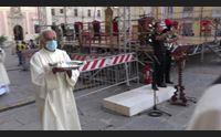 cagliari il nunzio del papa impone il pallio all arcivescovo baturi