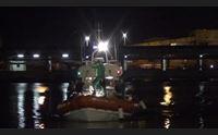covid partenza in massa di barchini dall algeria e positivo a cagliari scappa