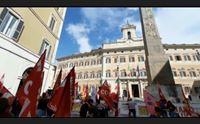 roma la protesta della scuola sarda sit in a montecitorio
