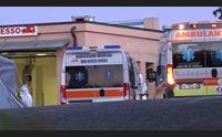 nuoro sanit nel caos c l ospedale da campo ma mancano i medici