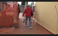 alghero al cimitero loculi alti e scale pericolose la protesta