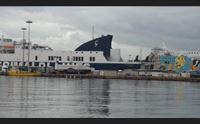 cagliari in via roma spazio ai maxiyacht le navi al porto canale