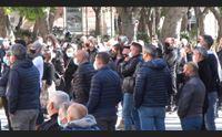 cagliari in piazza la protesta del ristretto mondo delle partite iva