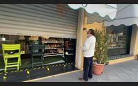 alghero chiudono i piccoli negozi commercianti in ginocchio