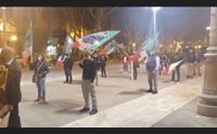 fratelli d italia flash mob contro il coprifuoco incostituzionale