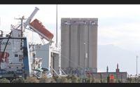 cagliari ha una nuova skyline abbattuti i silos al porto