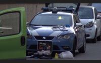 cagliari tre meccanici accoltellati la polizia arresta gli aggressori